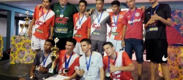 af6b1a6f4 Várzea Grande MT – Escolinha do ICE conquista 2º lugar na Copa de Futsal
